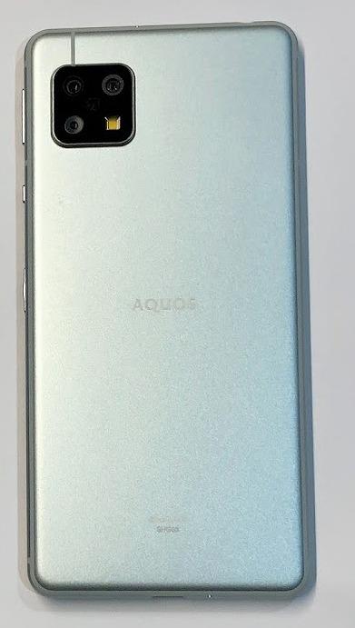 au SHG03 AQUOS sense5G デザイン