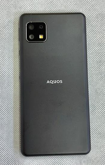 ワイモバイル AQUOS sense4 basic ブラック 色